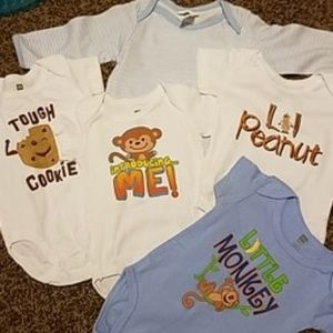 6-9month 5 assorted onesies
